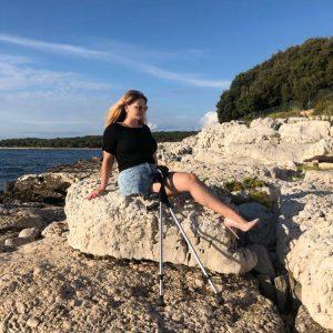 Eva Amputee: Stones, stump and high heel!