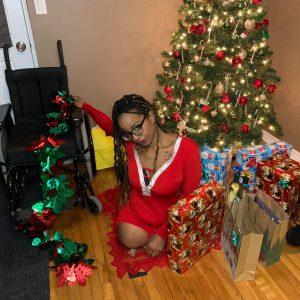 Amputee Jess: Sexy legless santa helper!