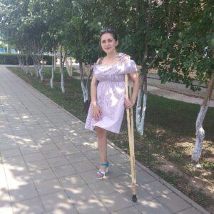 Amputee Margarita: High heel, one crutch, sexy girl!